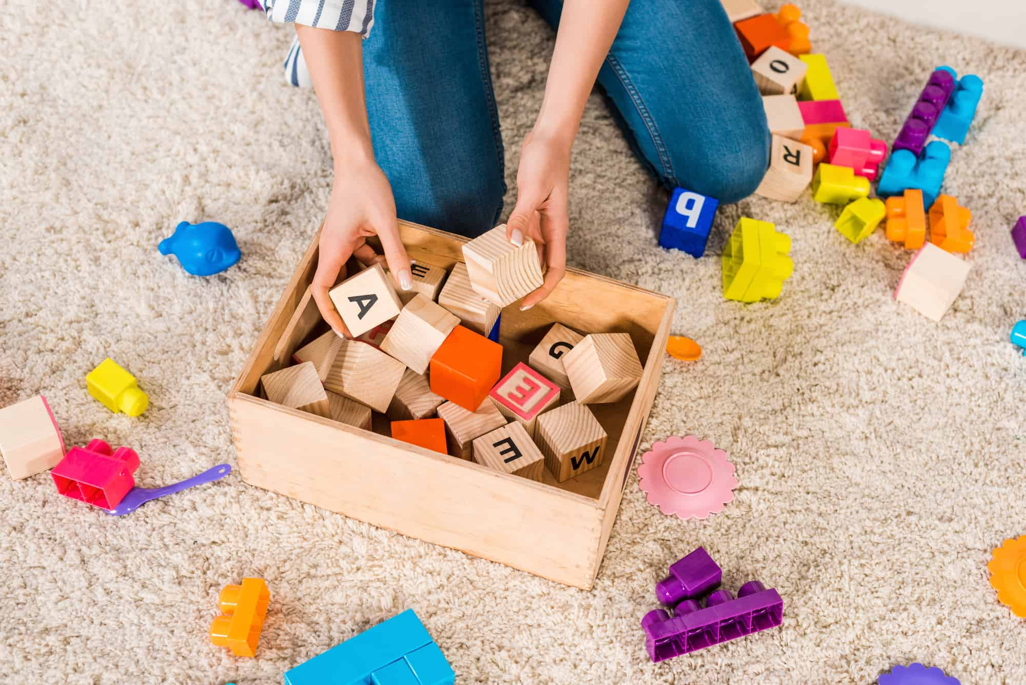 Overwhelmed by toy clutter? This simple method will teach you how to start a toy rotation system and maintain it in 10 minutes or less!